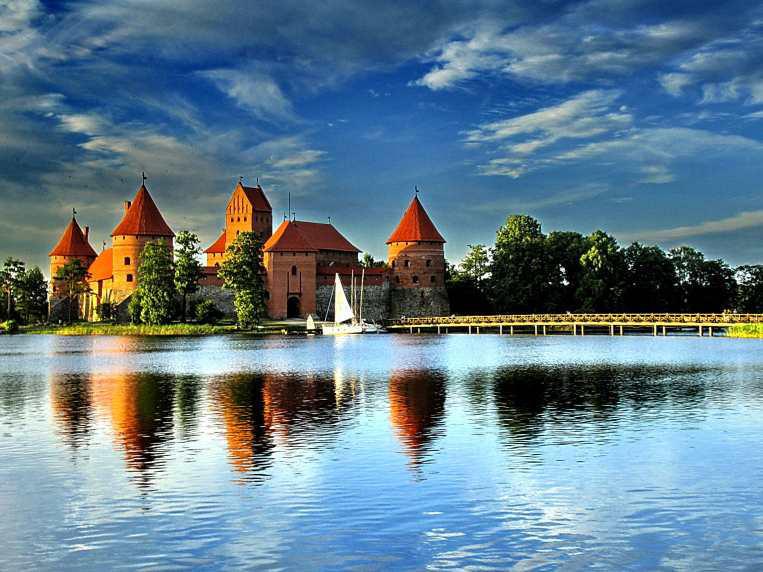 Trakai Castle 2006 by viesuliux
