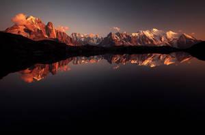 MirrorThrone by alexandre-deschaumes