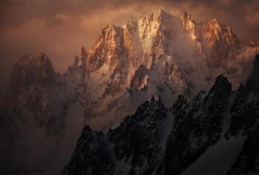 La Montagne Fantome by alexandre-deschaumes