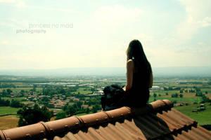 Staring at the world. by x-princess-n0-mad-x