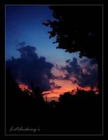Matahari Terbenam by latebraking