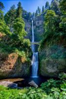 Multnomah Falls by arnaudperret