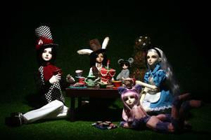 Alice in wonderland by vevet