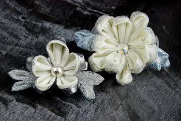 Kanzashi Snow Blossoms by fourwillows