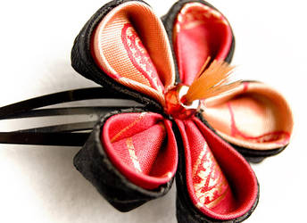 Ameesha: Casual Kanzashi by fourwillows