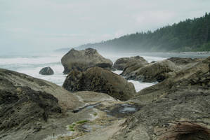 Rocky Beach 1 by fotophi