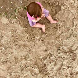 Beach girl by lnzie