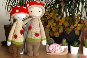 Lalylala with poppies by Ahookamigurumi
