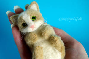 green eyed kitten by SaniAmaniCrafts