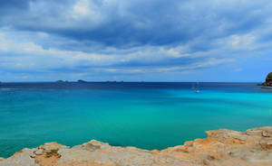 Turquoise sea... by Leocervas
