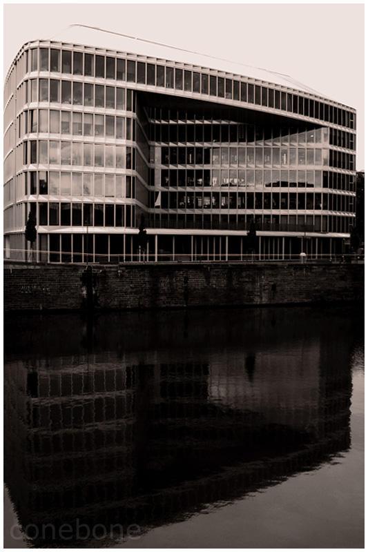 Frankfurt a.M. I by ConeBone