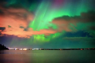 Auroras over Marks Bay by tfavretto