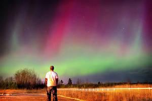 Watching the Aurora by tfavretto