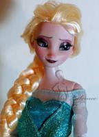 Elsa doll repaint by lulemee