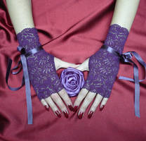 Purple Lace Gloves by Estylissimo