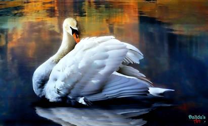 Elegant White Swan by makiskan