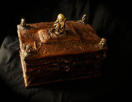 cthulhu box n2 by FraterOrion