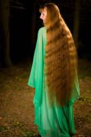 Looong hair by Mitoka