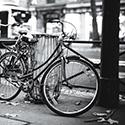 Fait partie d'une série sur les bicyclettes à Paris.