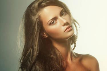 Portrait retouch by MixMyPhotoshop