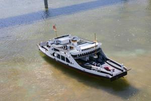Ship by Mottcalem