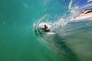 Surfing cyclone swell in Perth by LouisStone