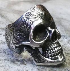 Engraved skull ring. by GerlachStyle
