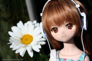 Taiga and headphones by chun52