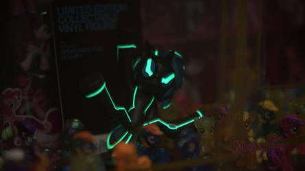 Black light DJ Pon3 glowing. by Mozlin