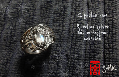 Cthulhu ring with moonstone! by somk