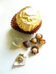 Micromini Ferrero Rocher by margemagtoto