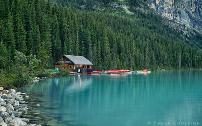 Lake Louise - the boat house by La-Vita-a-Bella