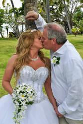 Mushy Kissing Pic by La-Vita-a-Bella
