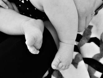 Baby Feet by deathbysunset