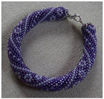 Purple bracelet by Xantosia