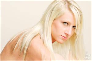 Blonde by jakegarn
