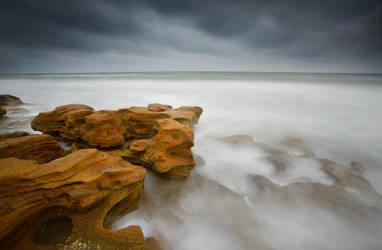 Violent Winter Sea by Enkphoto