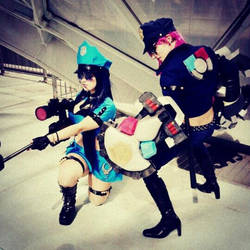 officer Caitlyn and Vi League of legends cosplay by ValeeraHime