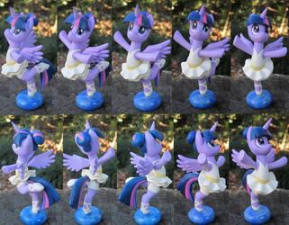 Ballerina Twilight Sparkle by daisymane
