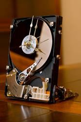 HDD Clock by TurtleVVisperer