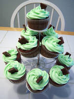 St. Patrick's Day Cupcakes II by dashedandshattered