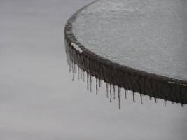 Frozen Glass by MentuSanarih