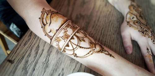 Bunny love (and henna) by cydienne