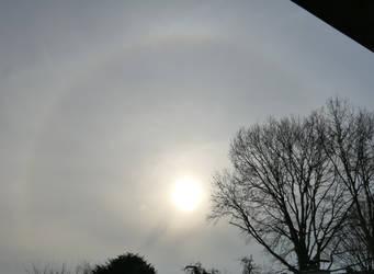 Sun halo with shadow streak by Dowlphin