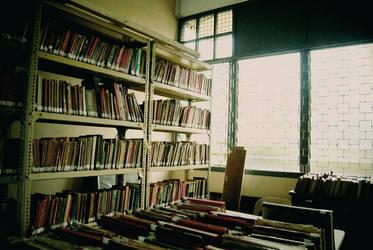 books. by eiChi17
