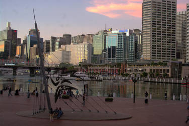 Darling Harbour at Dusk by peanuthorst