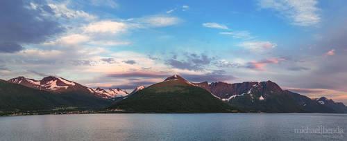 Norwegische Kueste by Saber1705