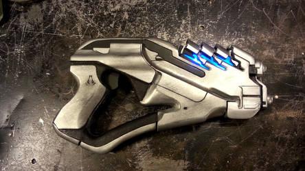 Mass Effect Arc Pistol by blackleafcreative