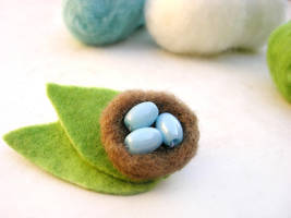 Needle felted bird's nest by restlesswillow