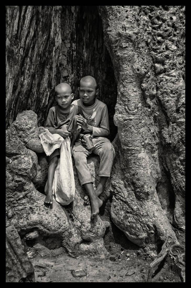 Ta Phrom Tree Children by little-spacey